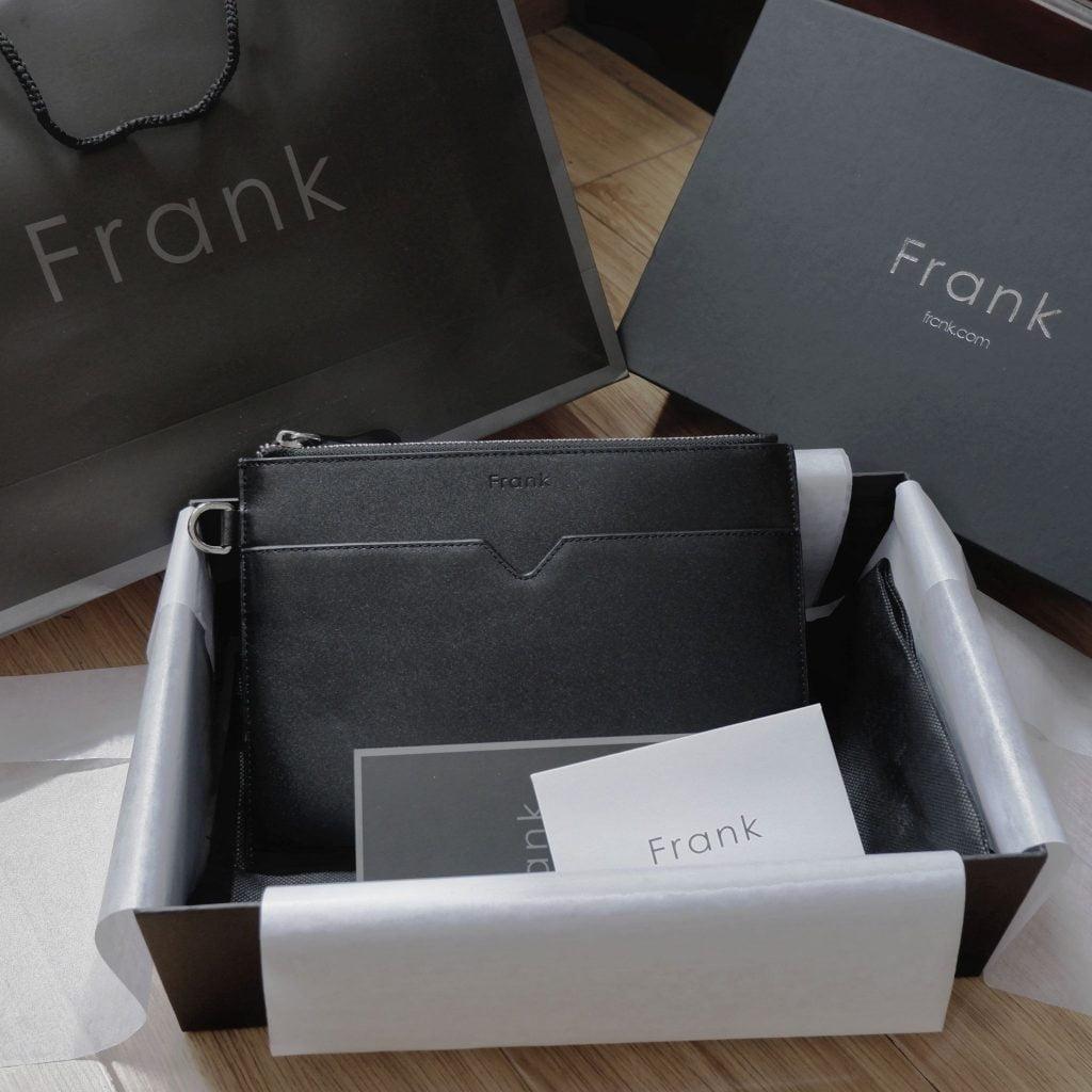 Hinh-anh-full-box-cua-mot-chiec-clutch-nam-hang-hieu-frank